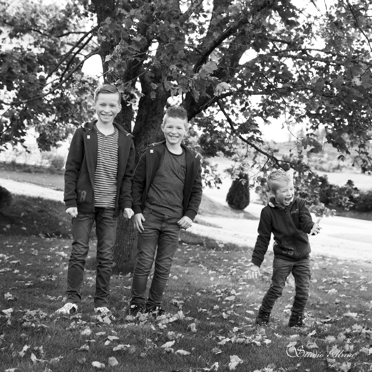 3 brødre-studioalma-utefotografering