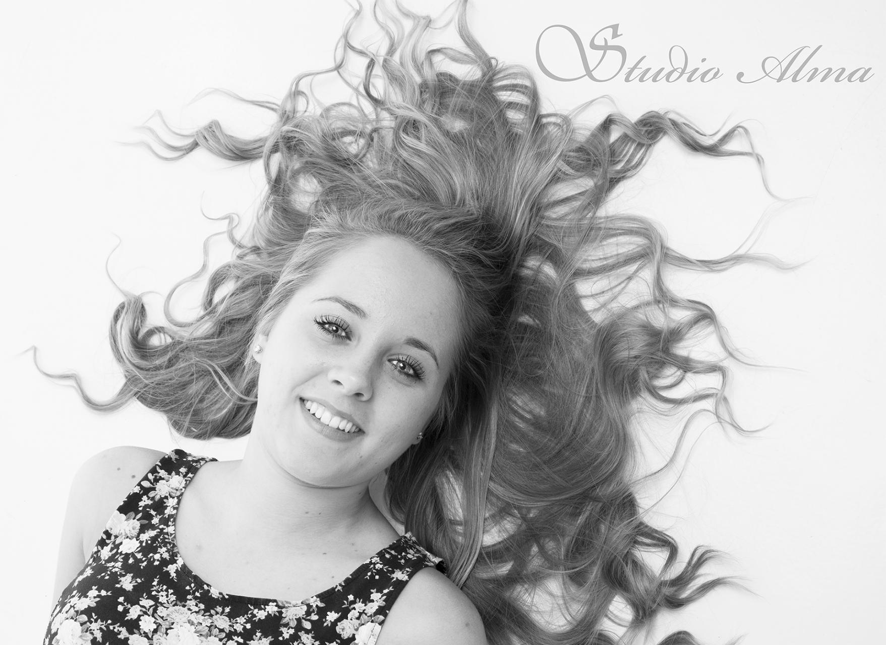 Emma hår