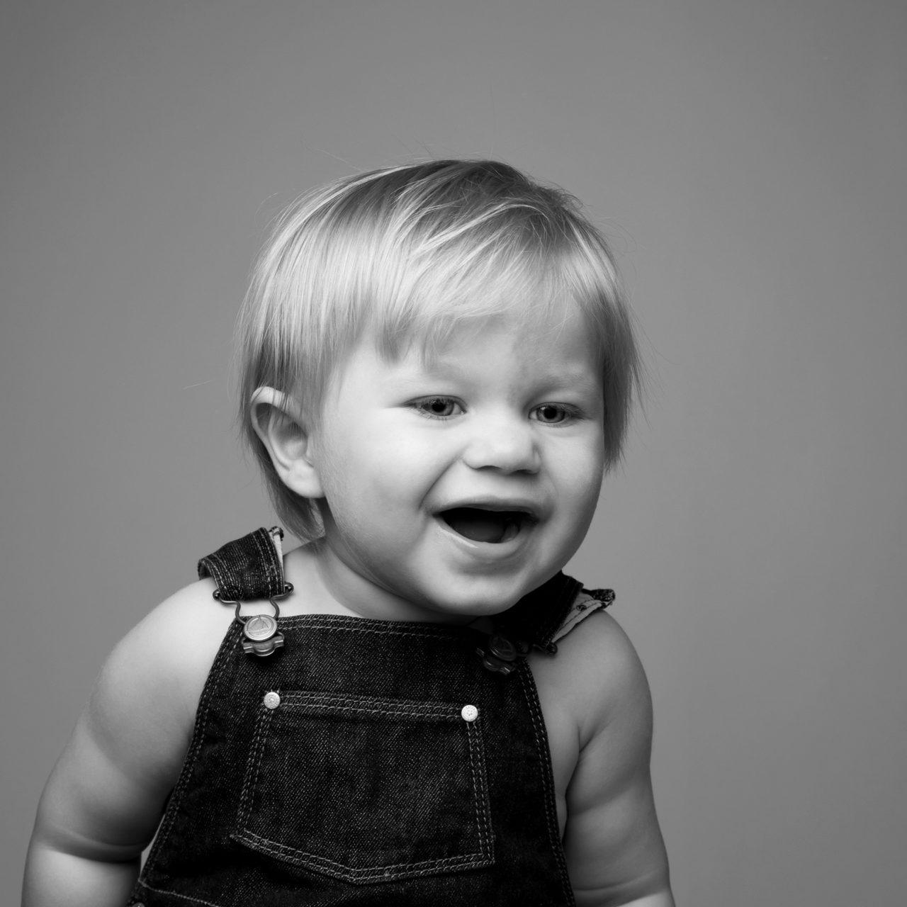 barneportrett-1år-studioalma-fotograf-barnefotografering