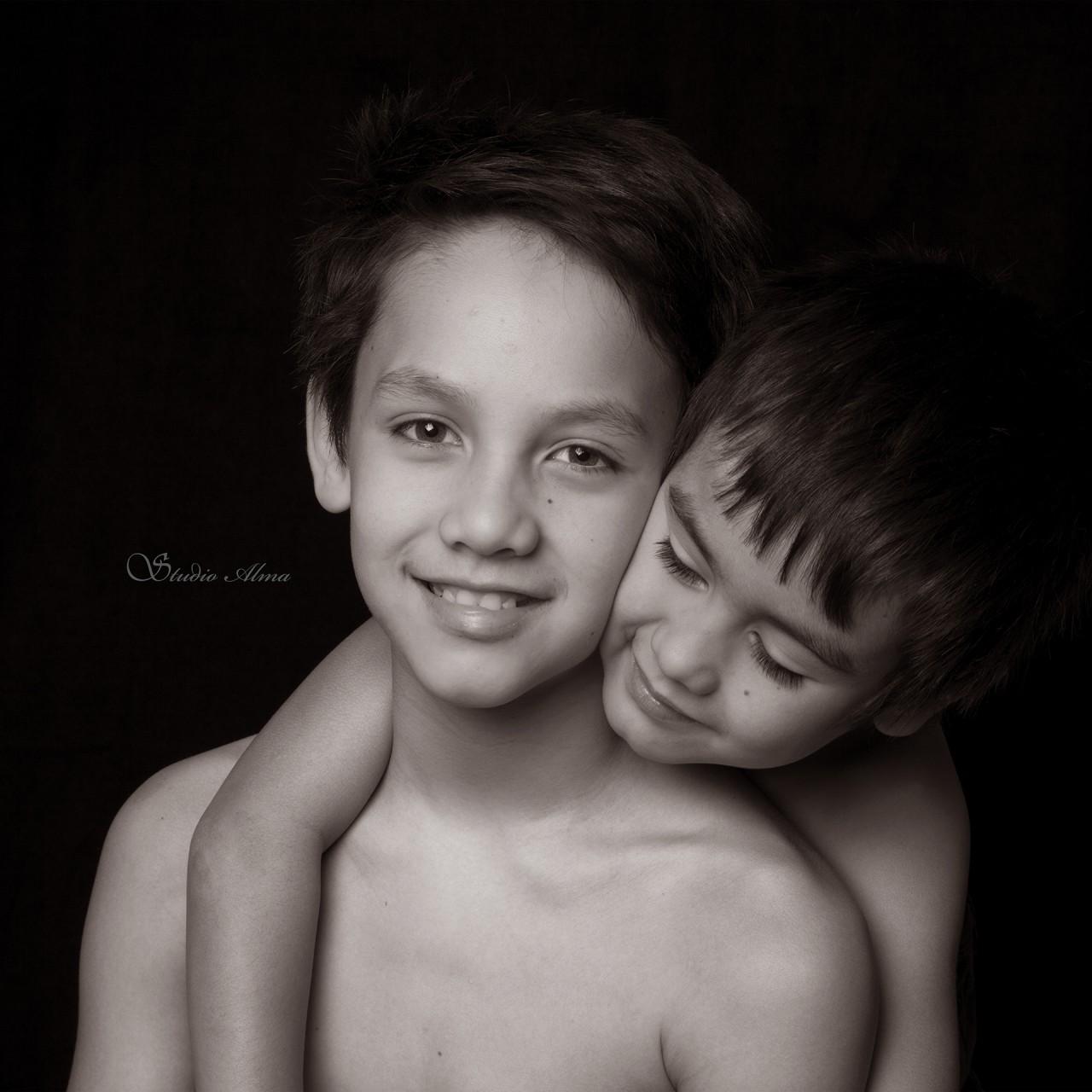 brothers-studioalma-portrett
