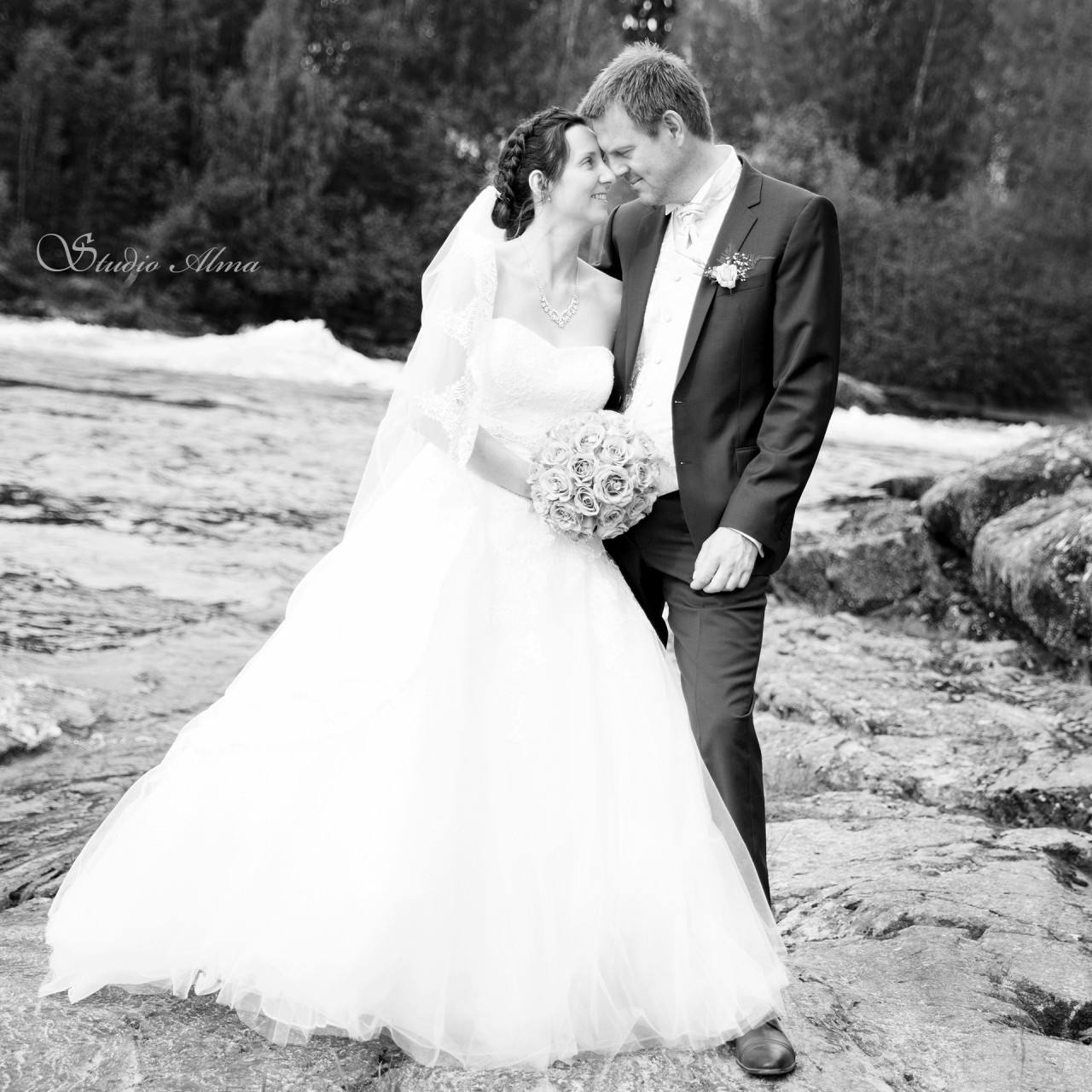 brudepar-glomma-studioalma