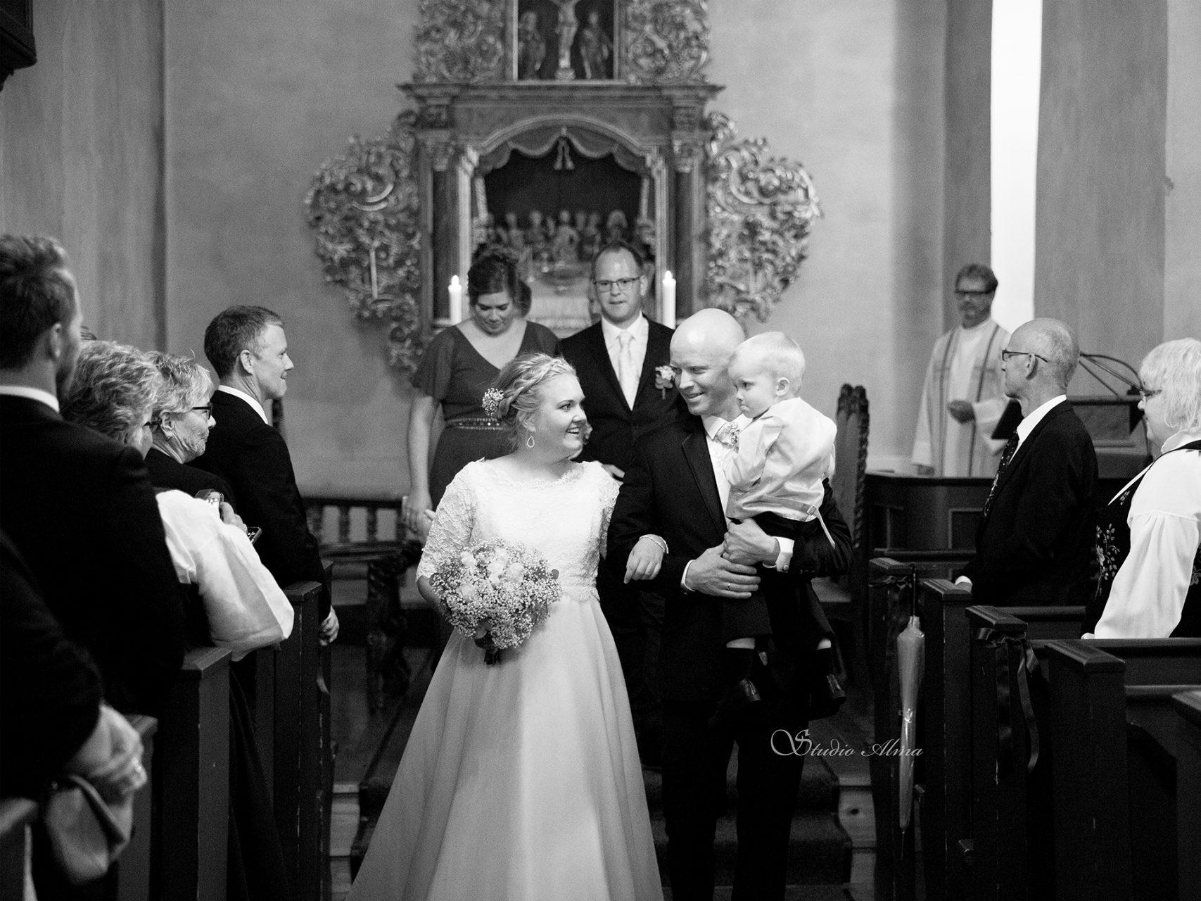 bryllup-kirke-fotograf-studioalma