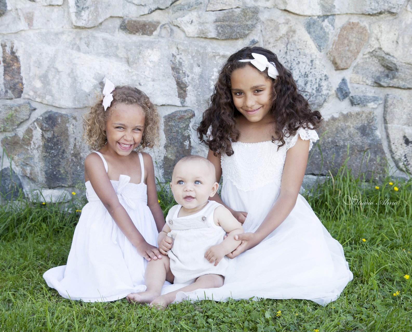 familie-skansen-studioalma-tre fine barn
