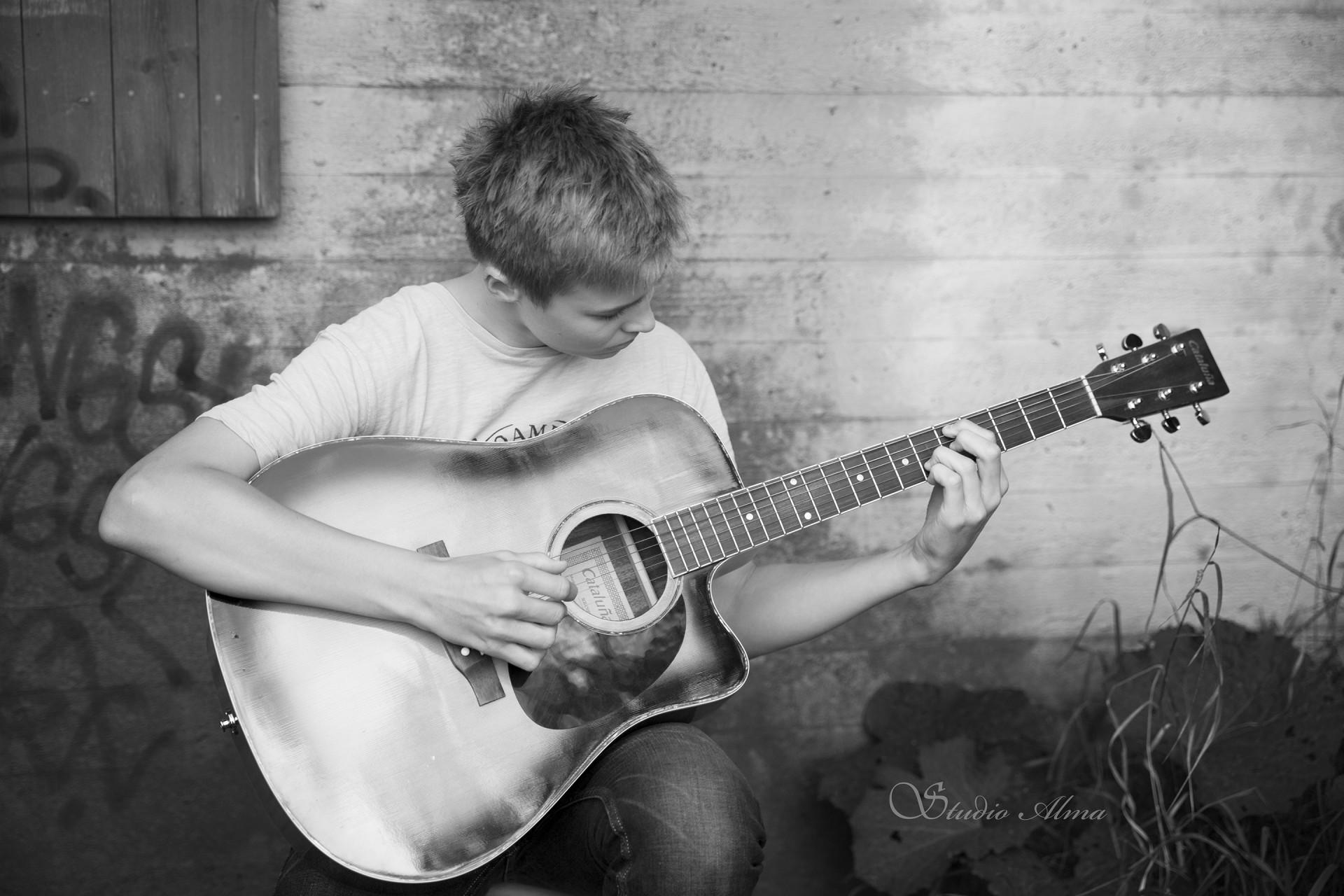 gitar-konfirmant-studioalma