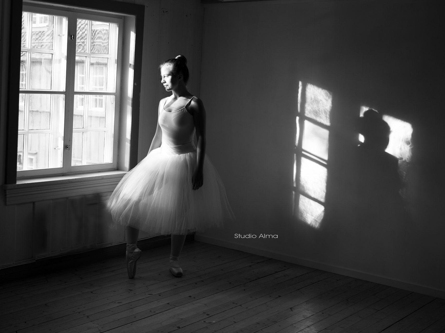 konfirmant-ballettdanser-fotograf-studioalma