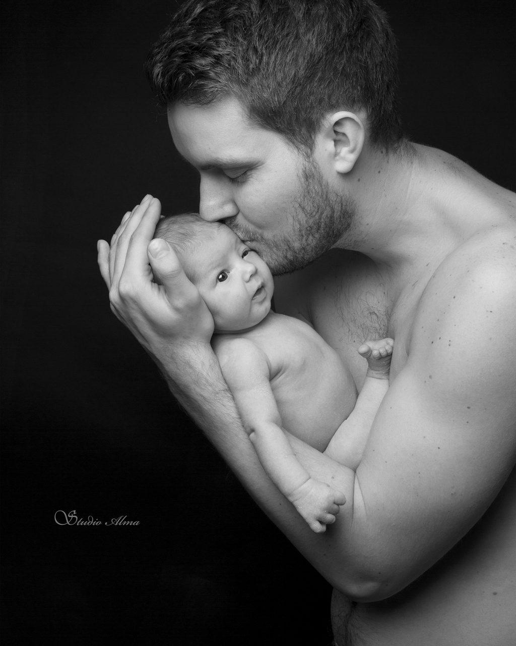 nyfødt-familie-fardatter-fotograf-sørumsand