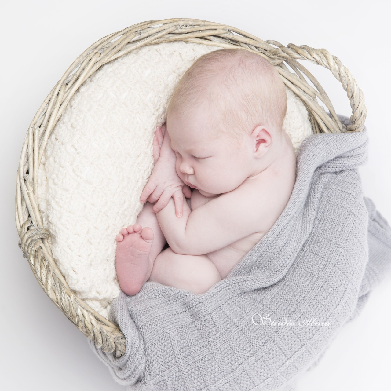 nyfødt-kurv-studioalma