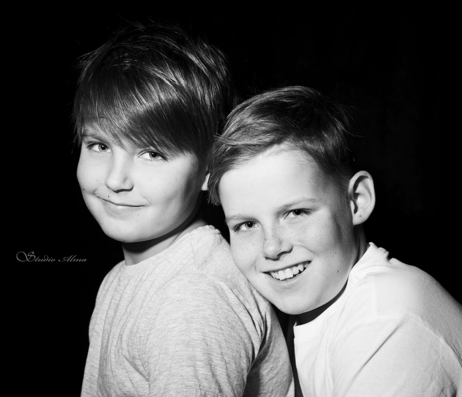 twins-brothers-studioalma