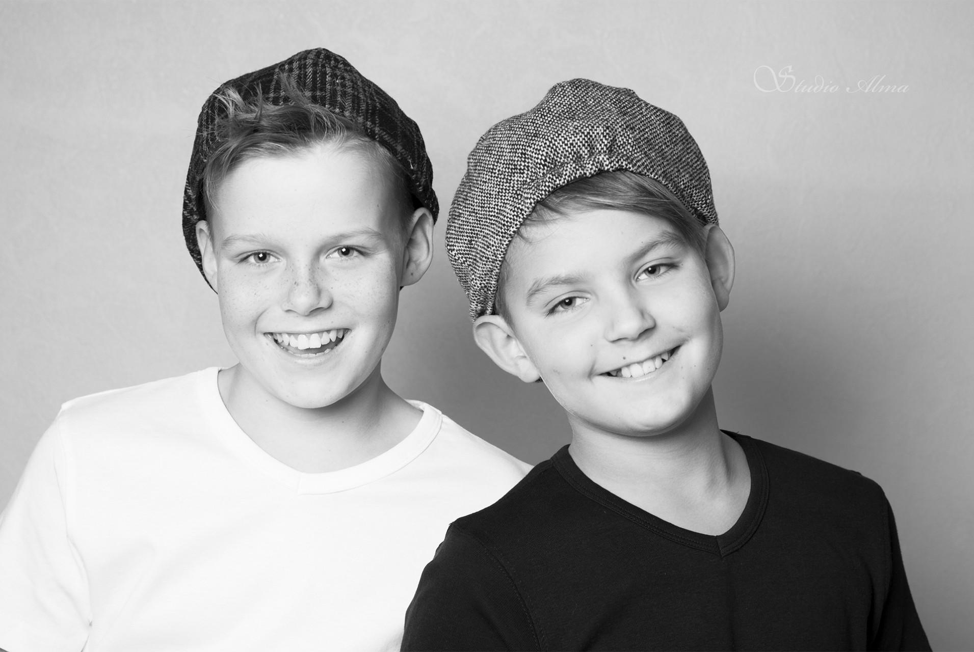 twins-studioalma-sh